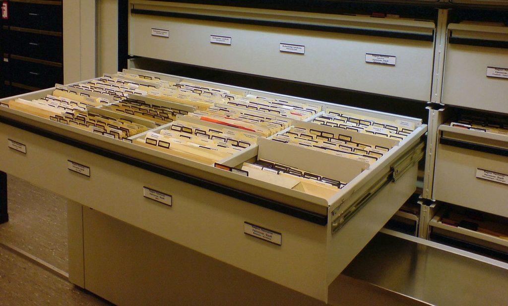 Niedersächsisches Landesamt für Denkmalschutz, Handarchiv (Karteikarten mit Fotos, Plänen, Dokumenten)